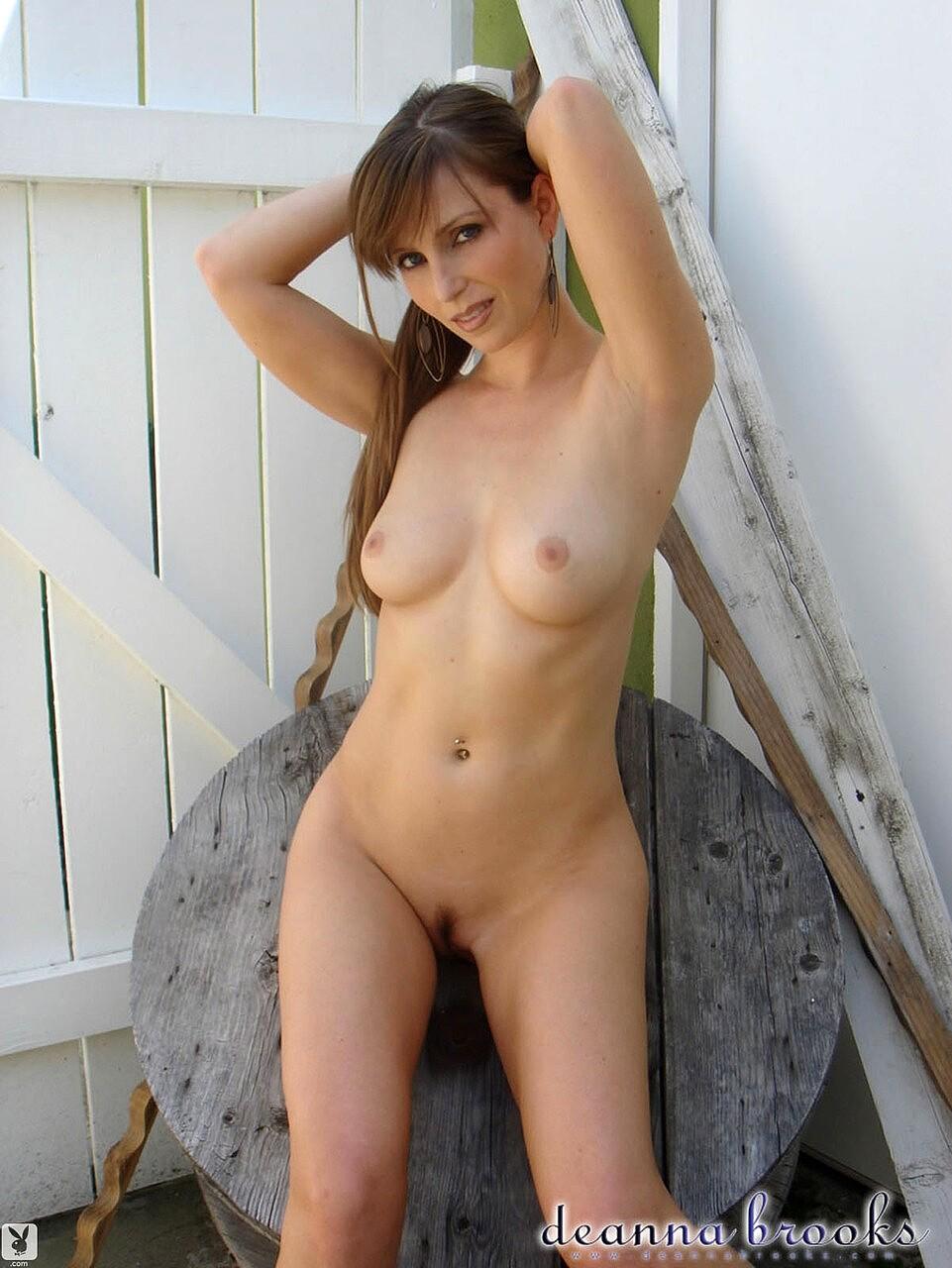 Brooks nackt Deanna  Miss May
